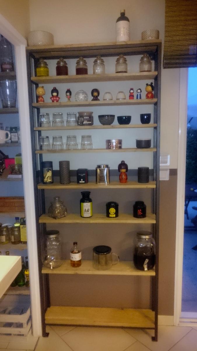 Jeune Création d'une étagère métal - bois - Sébastien DELAPORTE AD-18